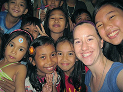 Meredith with Filipino children